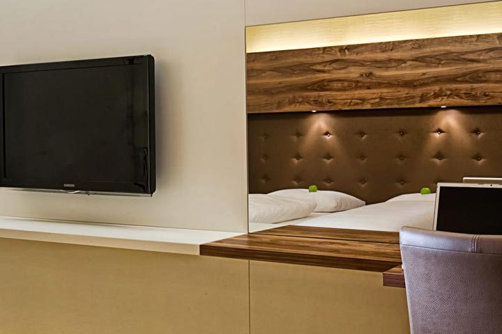 sorat hotels deutschland moderne technik auf den zimmern. Black Bedroom Furniture Sets. Home Design Ideas