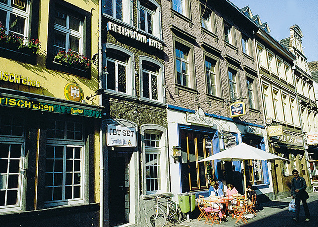 Dusseldorf altstadt frauen kennenlernen