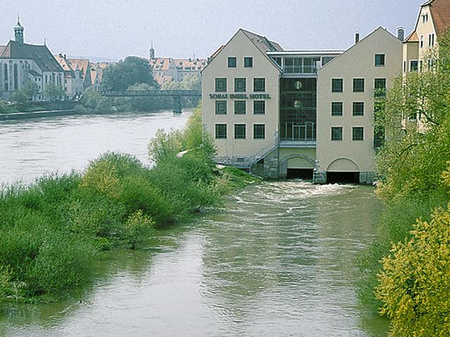 hotel regensburg sorat insel hotel regensburg hotels regensburg altstadt. Black Bedroom Furniture Sets. Home Design Ideas